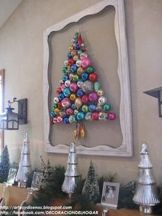 DIY Originales Árboles de Navidad Pegados en la Pared by artesydisenos.blogspot.com