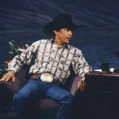 #GeorgeStrait #TBT #StraitFans #CountryMusic #GeorgeStraitGS.  Because nothing is more Texan than George Strait!!