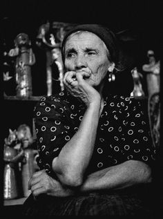 Rosa Ramalho (Rosa Barbosa Lopes). Figura emblemática da olaria tradicional portuguesa. Portugal, Willy Ronis, As Time Goes By, Photography Exhibition, Robert Doisneau, People Around The World, First Photo, Portuguese, Les Oeuvres