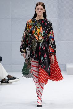 Balenciaga Fall 2016 Ready-to-Wear Fashion Show