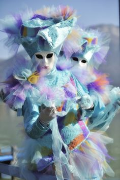carnaval Venitien d'Annecy. FR.- masques allégoriques