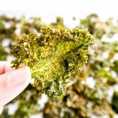 """5-Ingredient Salt and Vinegar Kale Chips (Paleo, Low Carb) - This """"cheesy"""" salt and vinegar kale chips recipe is naturally low carb, paleo, gluten-free, vegan, and unbelievably easy to make. Only 5 ingredients!"""