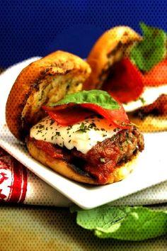 Pizza Sliders Italian Sausage Pizza SlidersYou can find Italian sausage pizza and more on our website. Italian Sausage Pizza, Pizza Slider, Salmon Burgers, Sliders, Hamburger, More, Chicken, Ethnic Recipes, Website