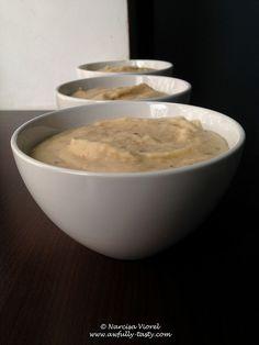 Fasole batuta.  Smashed bean. Vegan, gluten free. Oatmeal, Gluten Free, Tasty, Vegan, Breakfast, Food, Hands, The Oatmeal, Glutenfree
