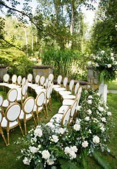 Ceremony seating in a circle with white roses flowers and greenery. Circular Ceremony Ideas with Greenery, Greenery Wedding Ceremony, Outdoor Wedding Ceremony WEdding decor inspiration ideas. Wedding Ceremony Ideas, Ceremony Decorations, Wedding Tips, Wedding Planning, Outdoor Wedding Ceremonies, Wedding Favors, Wedding Aisles, Wedding Backdrops, Ceremony Backdrop