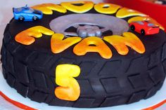 "Photo 7 of 30: Hotwheels, Racing, Boy Birthday / Birthday ""Hotwheels"""