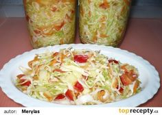 Zelný salát do zásoby recept - TopRecepty.cz Slovak Recipes, Czech Recipes, Ethnic Recipes, Salty Foods, Vegetable Recipes, Healthy Life, Cabbage, Food And Drink, Vegetarian
