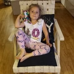Fotel ukradziony. #littlegirl #córeczka #daughter #fotel #chair #polishgirl #beautiful #love #mójskarb #cudo #mylove #treasure #motheranddaughter #nina #ninka Tiana, Polish Girls, Little Girls, Toddler Bed, Daughter, Vogue, Chair, Beautiful, Instagram