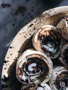 A Story about Dark Magic — Fox Meets Bear Charcoal Recipe, Activated Charcoal Benefits, Black Food, White Food, Hangover Food, Troubles Digestifs, Bread And Pastries, Food Trends, Morning Food
