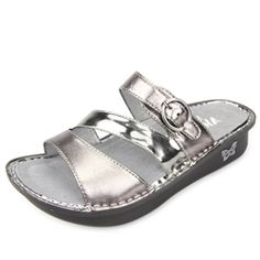 Click here for AlegriaShoeShop.com and the Colette Uptown Pewter sandal by Alegria Shoes. | Comfort, style, & FREE SHIPPING everyday!