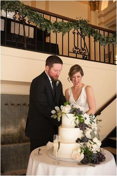 little miss lovely floral design // elizabeth watsky photography // providence RI public library wedding // black white navy wedding flowers