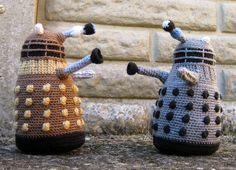 LucyRavenscar - Crochet Creatures: Dalek Amigurumi Pattern - Free!