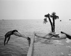 Sochi. Russian riviera. USSR - Homo Sovieticus Days of Glasnost and Perestroika. 1 year in the former Soviet Union. Photo by Carl De Keyzer. 1988-1989 #beach #blacksea #dive