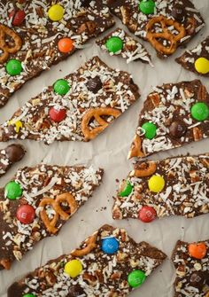 Make this festive treat for some extra-special holiday fun. Kids will not only love to help eat it, they can easily help make it.