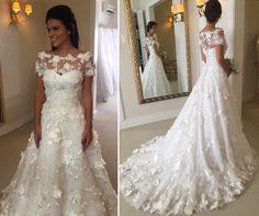 Vem ver 10 modelos de vestidos de noiva com aplicações de flores 3D! Modelos românticos que combinam perfeitamente com casamento no campo!