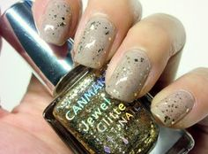 neutral gold glitter nails