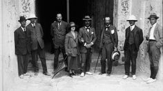 Howard Carter, Lord Carnarvon, Lady Evelyn and part of the team at the Valley of the Kings #history #archaeology #tutankhamun #discovery #1920s #egypt #tomb #curse #sarcophagus #ramses #pharaoh