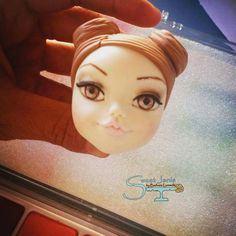 Cara Fondant Figures Tutorial, Clay Figures, Lunch Box, Frozen, Dolls, People, Templates, Faces, Cook
