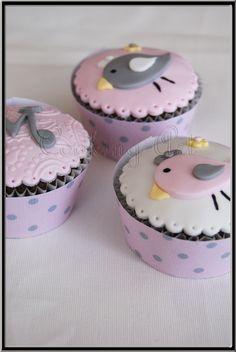 cupcakes pajaritos - Buscar con Google Bird Cakes, Cupcake Cakes, Cupcake Wrappers, Little Birds, Cake Pops, Party Time, Fondant, Baby Shower, Treats