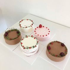 an afternoon dessert Pretty Cakes, Cute Cakes, Mini Cakes, Cupcake Cakes, Cute Desserts, Dessert Recipes, Korean Cake, Cafe Food, Breakfast Dessert