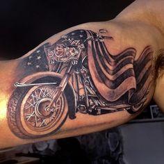 Old school vintage s… Harley Davidson Tattoo Biker themed Tattoo Inspiratitions. Old school vintage styled biker tattoos Harley Davidson Logo, Harley Davidson Tattoos, Harley Davidson Helmets, Harley Davidson Gifts, Classic Harley Davidson, Vintage Harley Davidson, Harley Davidson Motorcycles, Hd Tattoos, Bike Tattoos
