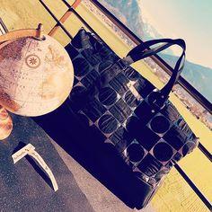 @les_poupinettes_ sur Instagram: Voici ma dernière création un petit sac de voyage aux allures rétro chic... Patron de Sacôtin, et tissus Les Coupons de Saint Pierre…