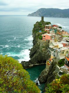 My favorite little seaside town! Vernazza in the Cinque Terre, Italy #travel #family #photo