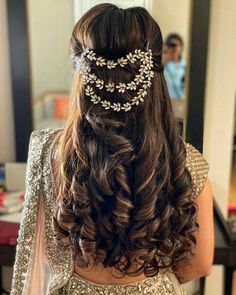 """""""I just want you to leave by marrying someone so that I can marry off… #shortstory #Short Story #amreading #books #wattpad Wedding Reception Hairstyles, Bridal Hairstyle Indian Wedding, Bridal Hair Buns, Bridal Hairdo, Hairdo Wedding, Indian Bridal Hairstyles, Short Wedding Hair, Wedding Hairstyles For Long Hair, Short Hair"""