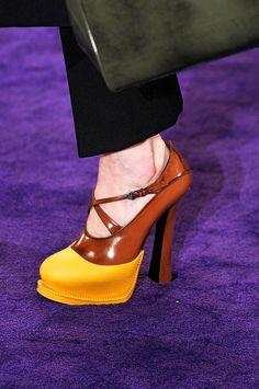 Prada www.fashion.net