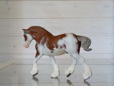 2017. Customized Breyer Traditional size model horse Shannondell. Custom by Zane Lahdenranta (Frosty Birch Studio).