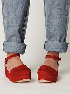 Daphne Platform... i have a pair of size 8's for sale in this color.