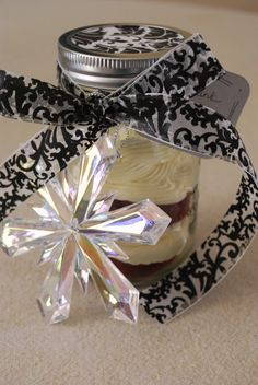 Cupcake In A Jar!  The cutest idea!