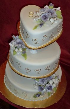 love heart wedding cakes | Elisabeths Wedding Cakes