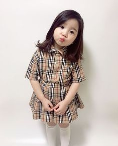 Best Vintage Outfits Part 17 Fashion Kids, Baby Girl Fashion, Toddler Fashion, Cute Asian Babies, Korean Babies, Cute Babies, Outfits Niños, Cute Girl Outfits, Kids Outfits