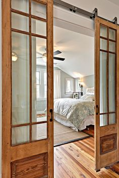 a great alternative to the standard interior door (via House of Turquoise) House Of Turquoise, Turquoise Walls, Style At Home, Chalet Design, House Design, Door Design, Design Case, Interior Barn Doors, Interior French Doors