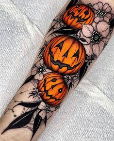 4 Tattoo, Leg Tattoos, Body Art Tattoos, Tattoo Drawings, Small Tattoos, Sleeve Tattoos, Arm Tattoos Gothic, Arm Tattoos Disney, Tatoos