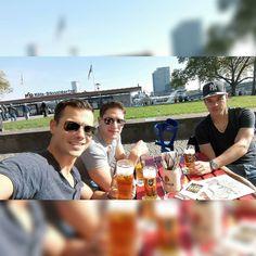 #sunisup #Köln #Rhein #kölsch #gaffel #haxenhaus #sonne #brosience #sonne #Sonnenbrand oder so nen brannt?  #hochdiehändewochenende #weekend #Frühstück #quizzen #ny #partybros by quarkmarc_ #haxenhaus #people #food