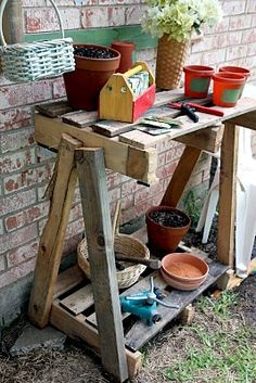garden potting bench made from pallets
