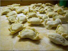 Cjarsons - sono simili agli agnolotti, fatti con pasta di patate, ripieni a piacere e conditi con burro fuso e ricotta affumicata. Prodotto tipico della Carnia in Friuli Venezia Giulia (Italia), sono buonissimi, provare per credere, Margherita