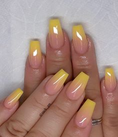 Ombre nail art designs look very attractive to women. They look complicated, but they are actually easy to make. Blending different nail polish on fingernails is easy to achieve the desired gradient effect after proper treatment. In this article tod Cute Acrylic Nail Designs, Ombre Nail Designs, Nail Art Designs, Bright Summer Acrylic Nails, Best Acrylic Nails, Nagellack Design, Fire Nails, Dipped Nails, Yellow Nails