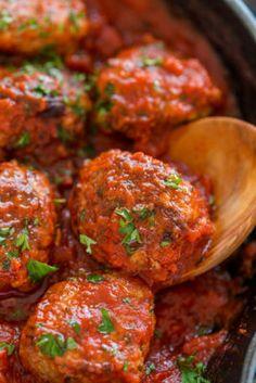 Juicy Meatball Recipe (VIDEO) - NatashasKitchen.com Diner Recipes, Kitchen Recipes, Meat Recipes, Cooking Recipes, Healthy Recipes, Burger Recipes, Cooking Ideas, Juicy Meatball Recipe, Deserts