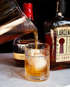 Make Your Own (Almost) Pappy Van Winkle – Garden & Gun Cigars And Whiskey, Scotch Whiskey, Bourbon Whiskey, Whisky, Whiskey Bottle, Whiskey Brands, Irish Whiskey, Bourbon Cocktails, Cocktail Drinks