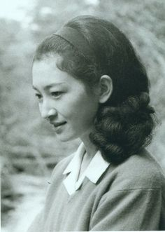 Empress MICHIKO  皇太子妃殿下時代の美智子皇后
