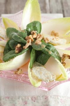 Warm Apple and Goat Cheese Salad #pauladeen