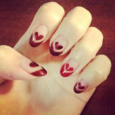 For a queen of hearts. | 26 Ridiculously Sweet Valentine's Day Nail Art Designs