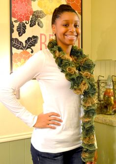 tutorial video on how to knit those cute ruffle scarfs!