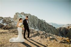 Kelly & Arik walk along the mountain tops in Innsbruck Austria by Wild Connections Photography Snowboard Wedding, Ski And Snowboard, Wedding Shoot, Dream Wedding, Zell Am See, Rome Travel, Innsbruck, Wedding Photo Inspiration, Wakeboarding