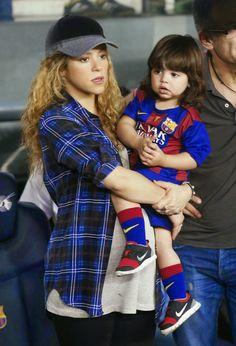 """Fotos: Shakira, Gerard y Milan en el """"Camp Nou"""" de..."""