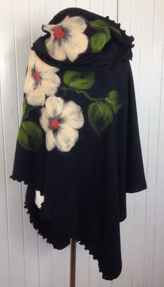 Poncho chimney pattern wool felt knitwear 366 at on Etsy Poncho chimney pattern wool felt knitwear 366 at on Etsy , Ponczo komin wzór wełna filcowany dzianina 366 w na Etsy , کچه Sour. Outdoor Fotografie, Wool Felt Fabric, Knitted Fabric, Dress Plus Size, Textile Jewelry, Felt Art, Knitting Yarn, Felt Crafts, Black Fabric
