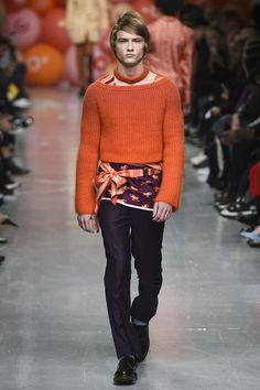 Katie Eary Fall 2017 Ready-to-Wear Collection Photos - Vogue   fashion runway trend